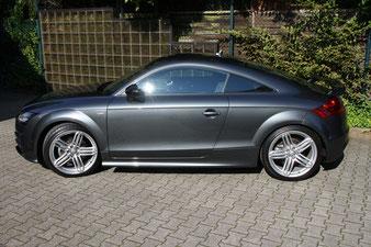 der Audi TT aus Herten erstrahlt nach der Fahrzeugaufbereitung mit neuem Lackschutz