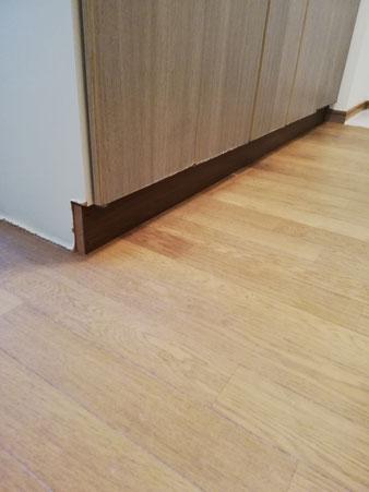 キッチン下部のぼろぼろの木部を交換した後