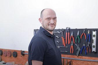 Walter Szokob, Servicetechniker