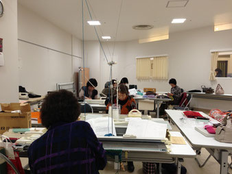 石橋ニッティングスクール 成田(ボンベルタ)教室の様子