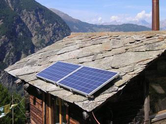 Solarpanel, Photovoltaik mit Walliser Sonne