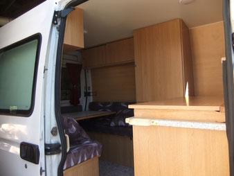 utililaire transformé en camping-car