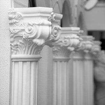 Fassadenstuck - Säulen und Halbsäulen
