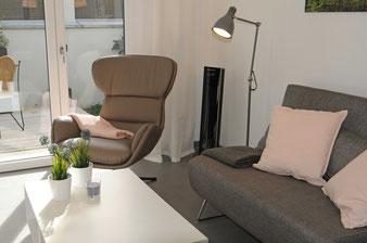 Das Fewo Wohnzimmer mit frischer Atmosphäre