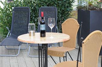 Ferienwohnung Sonnenterrasse für ein Glas Wein im Freien