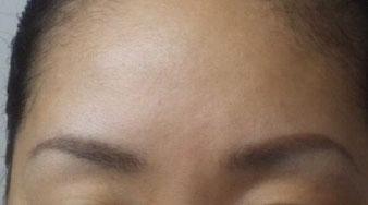 眉カット後の写真