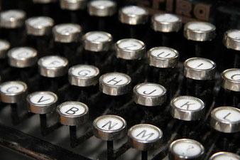 Kontakt Schreibmaschine
