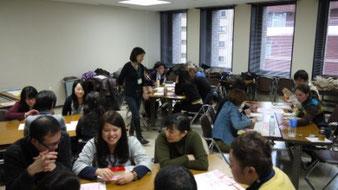 各国の留学生たちが異なる価値観を提示し、議論を盛り上げた