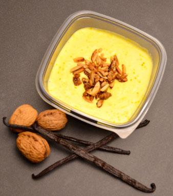 Vanille-Safran Quarkcreme mit karamellisierten Nüssen