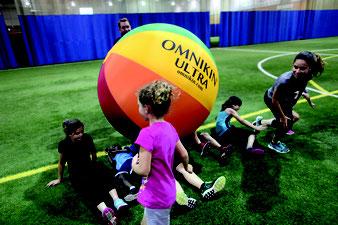 Gros ballon de kinball Omnikin Ultra à acheter pas cher au meilleur prix.
