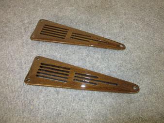 handgefertigte Lüftungsgitter für das Armaturenbrett eines BMW 321 Cabriolet. hergestellt in der Stellmacherei Axel Schubotz