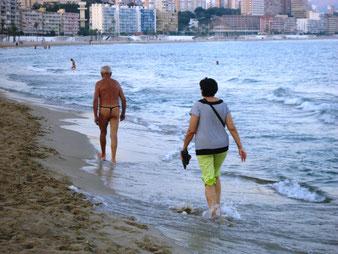 Пляжи в сентябре. Барселона. Каталония.