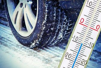 Autoversicherung zahlt im Winter nur mit Winterreifen