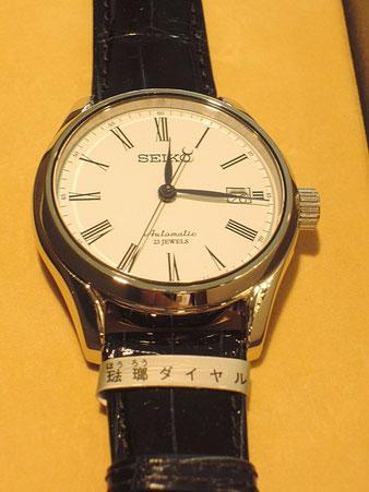 お客様よりご注文いただいていたセイコー「プレサージュ」ほうろうダイヤルのこだわり腕時計。メーカーよりお取り寄せまで待っていただいたかわりに、価格は非常に頑張らせていただきました