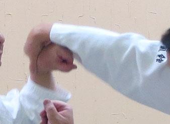画像④ 画像③の左手を天とする