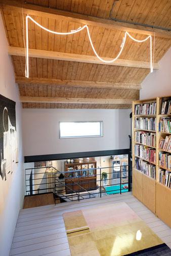 Деревянная обшивка потолка