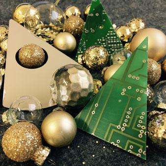 trash_design Leiterplatten mit Weihnachtsdekoration