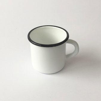 ホーローのマグカップ