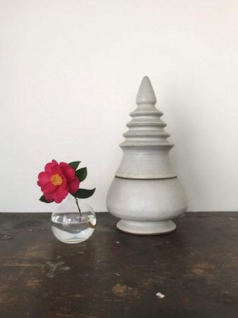 丸いガラスの花瓶
