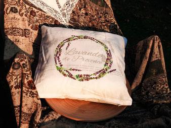 Lavendel- Kranz   (40x40cm)