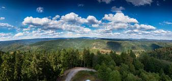 Blick vom Großen Knollen auf den Oberharz, Panorama, 24 Bilder in 3 Reihen, Brennweite 50 mm