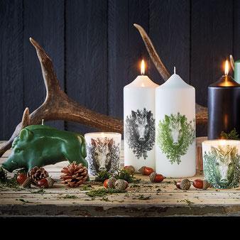 Weihnachts Stumpenkerzen - Motiv Wildschwein - von Engels Kerzen