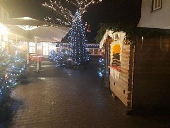 Mobiler Weihnachtsmarkt oder Glühweinstand mieten an der Firmenweihnachtsfeier für Ihre Mitarbeiter
