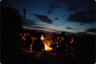 Abendliche Lagerfeuerromantik.