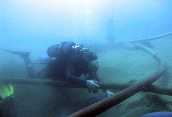Trois suceuses-dévaseuses hydrauliques complètes équipées de manches souples permettant de travailler jusqu'à 30 m de profondeur