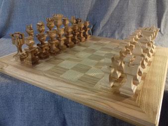 jeu d'échecs en bois, frêne.CCL ébéniste