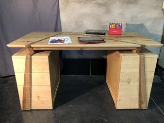 Meuble bois, bureau en chêne et noyer.CCL ébéniste
