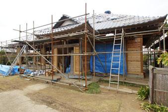 そして過酷な自然災害に遭いながらも、修復される民家があります(茨城県)