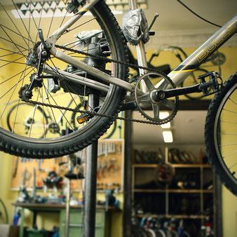 Hier könnt Ihr Euer Rad unter fachkundiger Anleitung selbst reparieren.