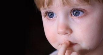 Bildverweis auf http://www.baby.at/5800/schuechterne-kinder-leben/
