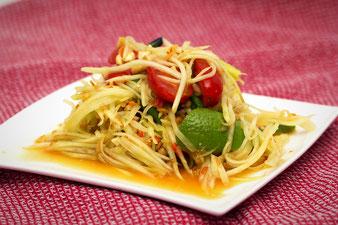 grüner Papayasalat mit Limette