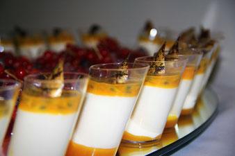 Dessertglas mit Maracuja