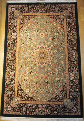 QUMwool NEZAFAT工房 こちらも上2枚と同じく縦糸silkでQUMならではの繊細でしなやかな絨毯です。