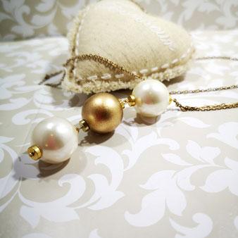 Le choix des perles pour un collier aux Dames de Jadis