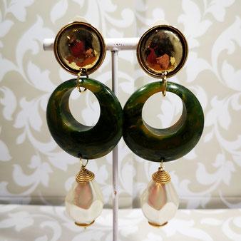 Clips d'oreille perle et bakélite