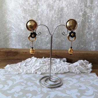 clips d'oreille pendants baroques