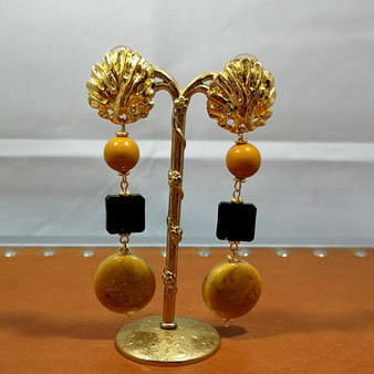 Clips d'oreille perle onyx et  filigrane doré
