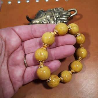 Bracelet perles 16mm moutarde