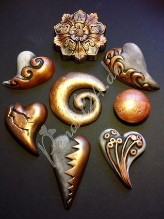 Handarbeit Dekoherz, Gießkeramik, Handarbeit Dekospirale,  Deko Reliefblume, Deko patiniert mit Kupfer