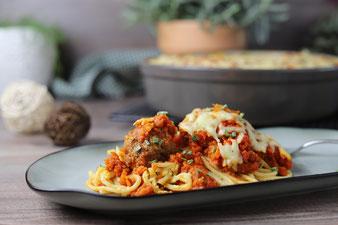 Hackbällchen-Spaghetti in der Stoneware rund von Pampered Chef