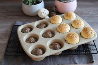 Kleine Burger, Miniburger aus der Muffinform mit Teiguterlage und Streufix sowie Nixe den 12 er Snack von Pampered Chef online bestellen