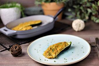 Gefüllte Zucchini aus dem 2 Liter emaillierten gusseisernen Baker von Pampered Chef