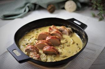 Lende im Speckmantel mit Champignons und Rahmsoße aus der gusseisernen 30 cm Pfanne von Pampered Chef