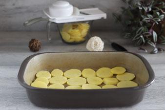 Kartoffeln hobeln mit dem kleinen Küchenhobel von Pampered Chef in die große Nixe