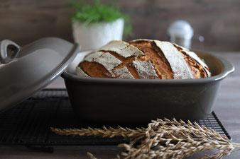 Hausbrot mit Teigunterlage, Streufix und Edelstahlschüsseln sowie Ofenmeister online im Pampered Chef Onlineshop bestellen