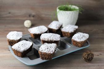 Kleine Kuchen mit Schokolade in der Mini-Kuchen Form von Pampered Chef